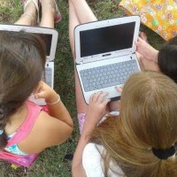 8-1-15 carlos Casares-niñasc on net